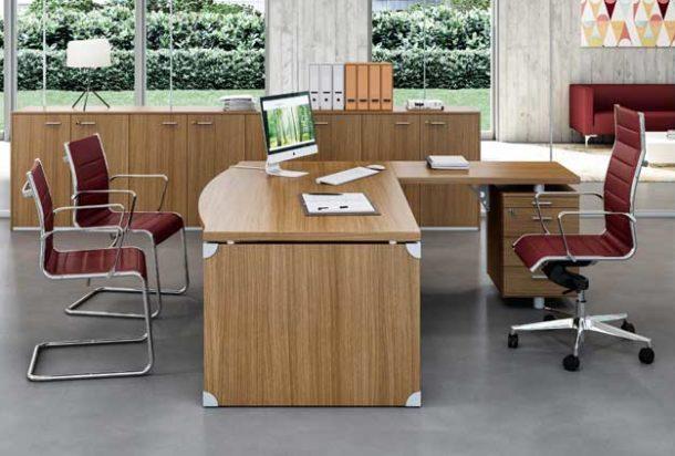 scrivania_p62-63_gambaStop Quadrifoglio