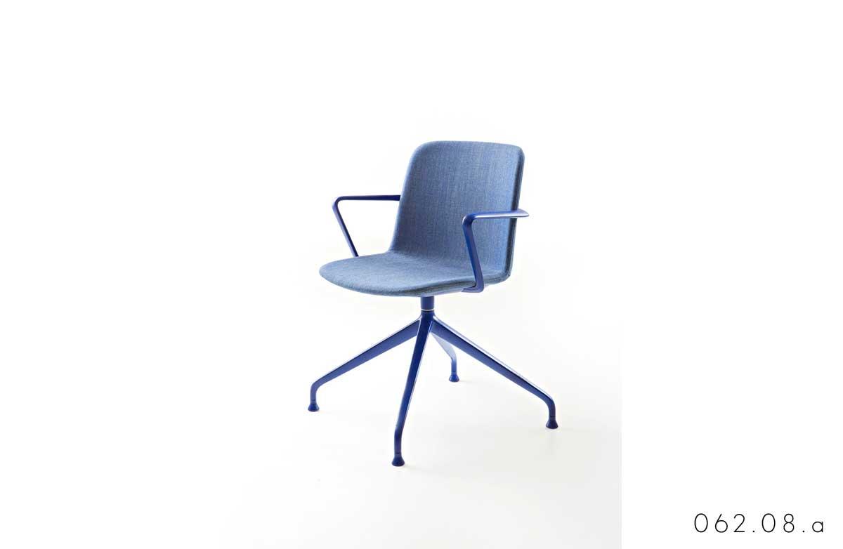 WWW_ADV_EU_062.08.a_seduta_attesa_interlocutore_con_braccioli_max_design