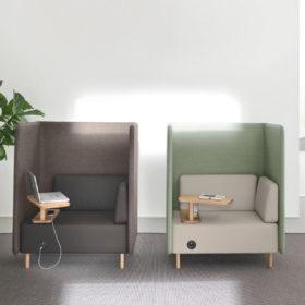 divano con paretine fonoassorbenti
